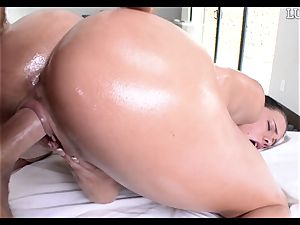 providing Peta Jensen a lubed penis down her lubricious cooter