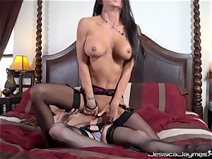 Jessica Jaymes and Allison Moore slit penetrating with string on