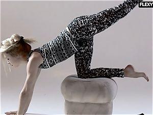 splendid bum gymnast Rita