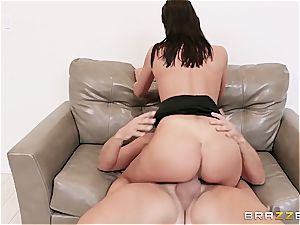 unbelievable mega-slut August Ames becomes the best Hollywood bitch