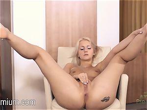 Lea Stevenson jacking her stellar humid vagina