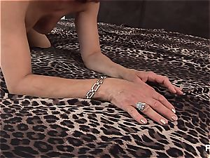 Mature dame truly wants his jizz