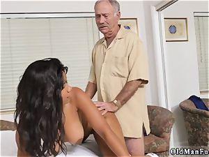 Czech homemade inexperienced rectal Glenn completes the job!