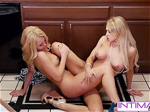 watch Alix and Aaaliyah lick each others tiny wet cootchie