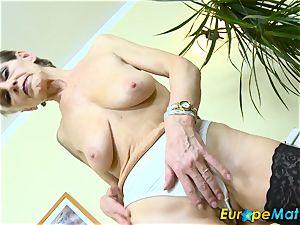 EuropeMaturE slim grandmother Ivana Solo frigging