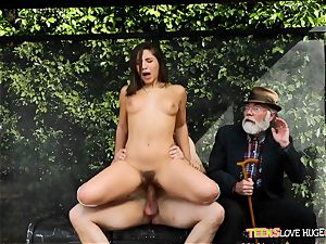 funny situation of honeypot jammed daughter and her grandfather observes at bus stop - Abella Danger and Bill Bailey