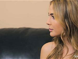 Carter Cruise and Blair Williams enjoy each others hot poons