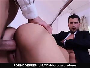 LOS CONSOLADORES - Julia De Lucia loves super-naughty four-way