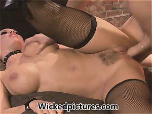 mistress Nicole Aniston controls her fellow
