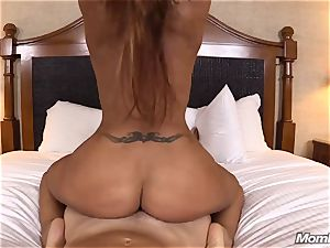 sizzling Latina inexperienced cougar first timer