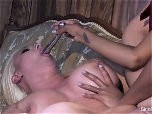 Leya displays skin how to please a nymph