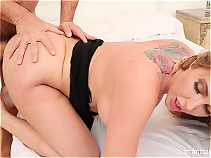 Samantha Saint needs to quench her sexual appetite with a large beef whistle in her hatch