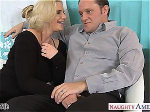 warm wife Phoenix Marie gets rosy vulva poked