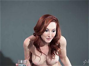 Kendra James gets her chicks all over Riley Reid