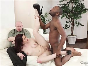 Jessical Ryan penetrates a dark pecker as her spouse sees