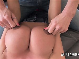 phat boob playtime with Ariella Ferrera and Deauxma