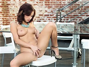 rough sandy-haired Victoria Lynn wanks in just her boots