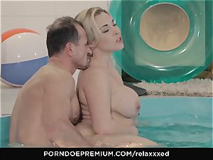 RELAXXXED voluptuous pool intercourse with Victoria Summers