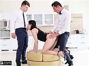 damsel Dee ravages the room service waiter and bf