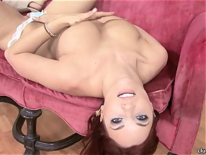 Jayden Cole whips out her sugary-sweet plump mammories